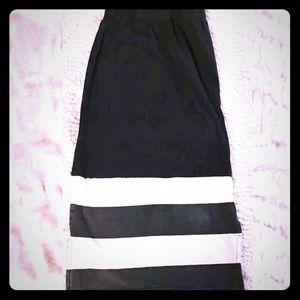 💞 Girls Disney XS black & white maxi skirt